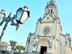 Paróquia lança revista comemorativa dos 115 anos de história