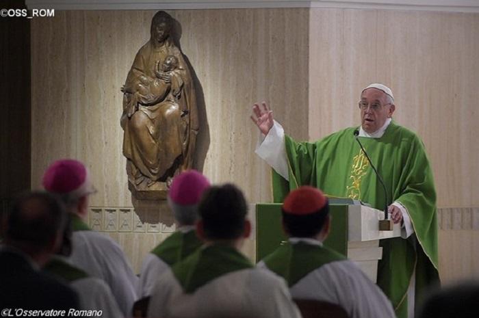 Papa Francisco: As guerras são criadas para adorar o deus dinheiro