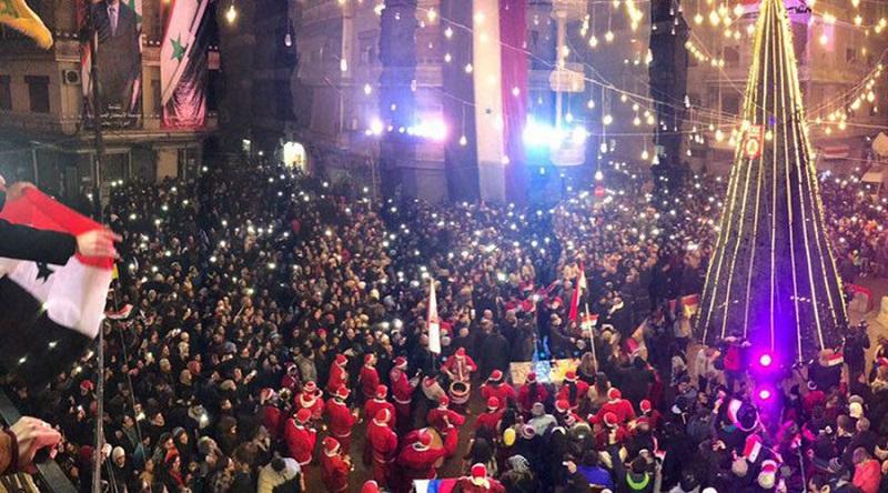 Aleppo monta primeira árvore de Natal após 5 anos de guerra