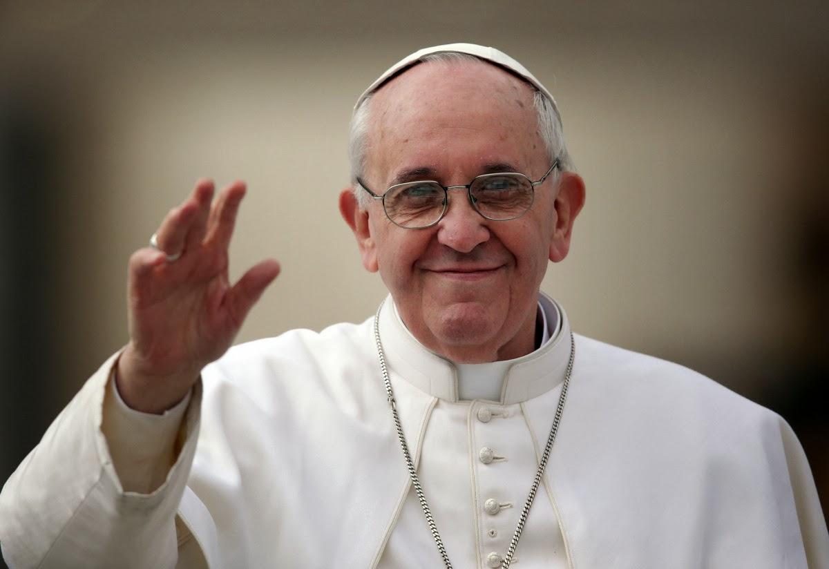 """""""Diante da morte, a esperança da vida eterna"""", diz o Papa aos fiéis"""