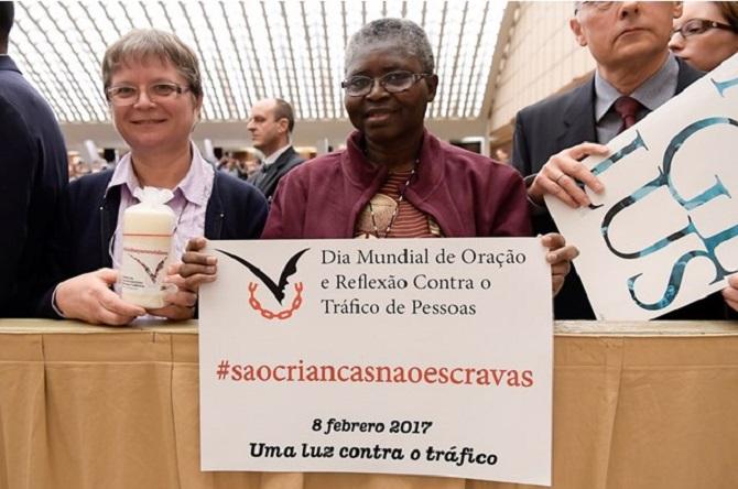 Papa condena tráfico humano: crime vergonhoso e intolerável