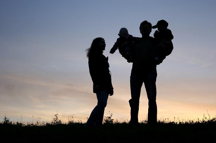 Estudo aponta que ter filhos pode aumentar expectativa de vida