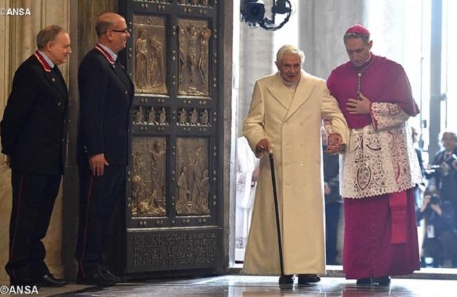 Os 90 anos de Bento XVI segundo o Arcebispo George Gänswein