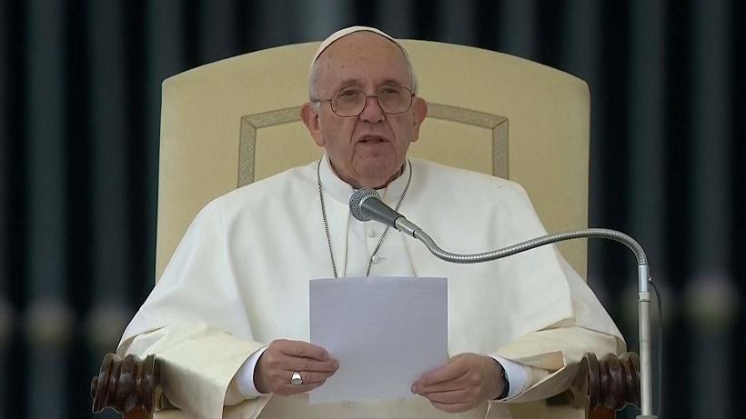 Angelus, única atividade pública do Papa em julho