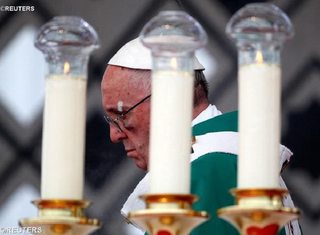 Missa pelos direitos humanos encerra visita do Papa