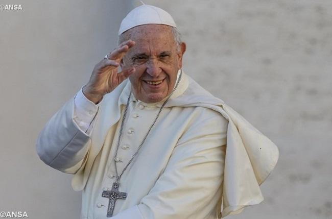 Quanto mais escura a noite, mais próxima a aurora, afirma Papa