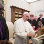 A oração é como combustível rumo à plena unidade, diz Papa a luteranos