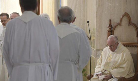 Papa: a misericórdia é o estilo do cristão