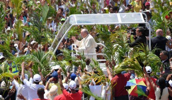Papa celebra missa em Maurício: jovens são a primeira missão da Igreja
