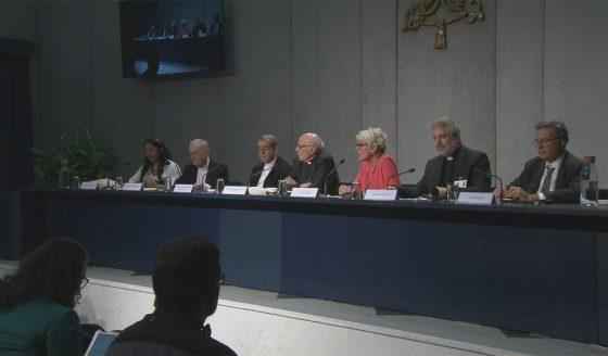 Coletiva Sínodo: poucos padres não devido a celibato; leigos coração da Igreja