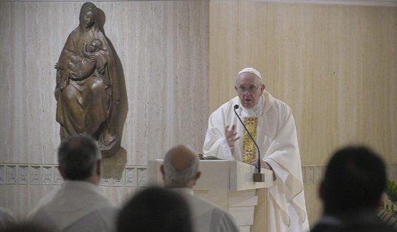 Papa Francisco: quem ama a Deus e não ama o irmão é mentiroso