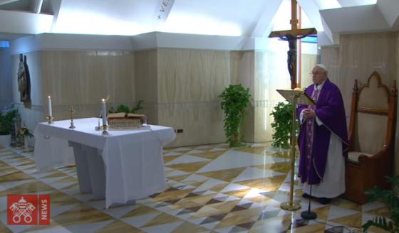 O Papa: rezo pelos anciãos que se encontram sozinhos e no medo