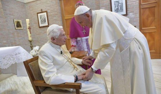 A oração do Papa Francisco por Georg Ratzinger