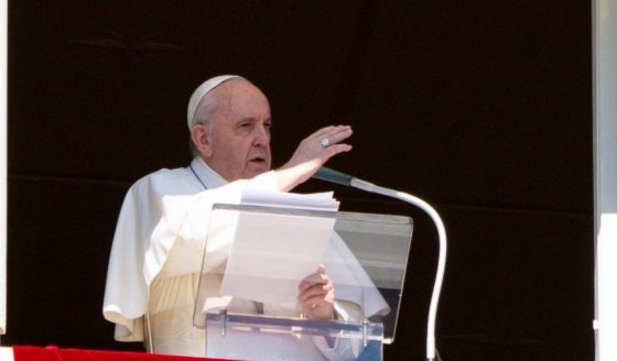 """Francisco: """"Cristãos chamados a ser presença viva na sociedade"""""""