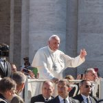 O Papa: não vivamos uma fé pela metade, tornemo-nos misericordiosos